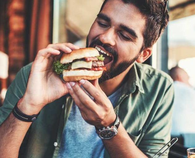 Сексолог перечислил продукты, опасные для мужского здоровья